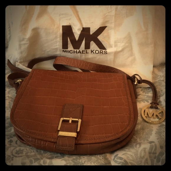 71c895d8782 Michael Kors Leather Crossbody - Camel Color